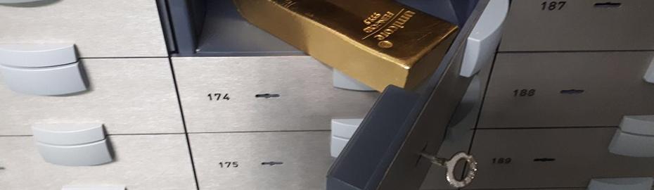 Schließfach mit Gold